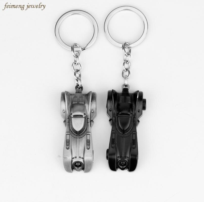 LLavero de aleación de 2 colores El caballero oscuro Batman modelo de coche llavero de Batmobile para hombres regalos Superman Batman llavero