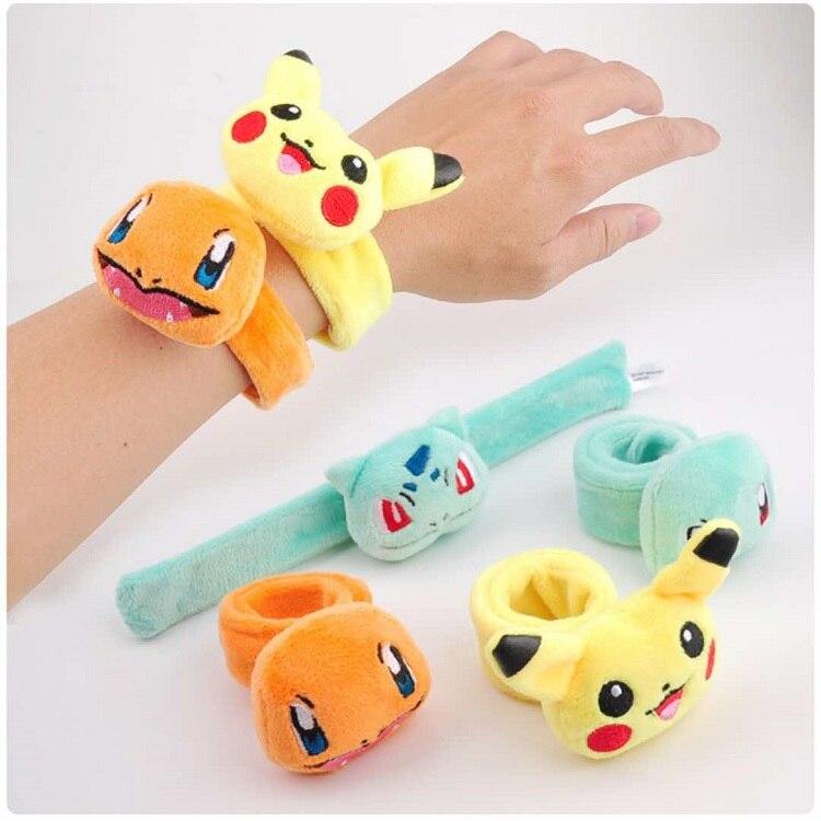 Pikachu enchido crianças pluch banda de pulso memória metal clap anel miúdo pele-amigável brinquedo de pelúcia presente pokeball pikachu wartortle
