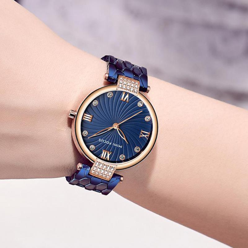 Light Luxury Ladies Watch Round Diamond Waterproof Quartz Turtle Back Steel Buckle Stainless Steel Belt Fashion Ladies Watch