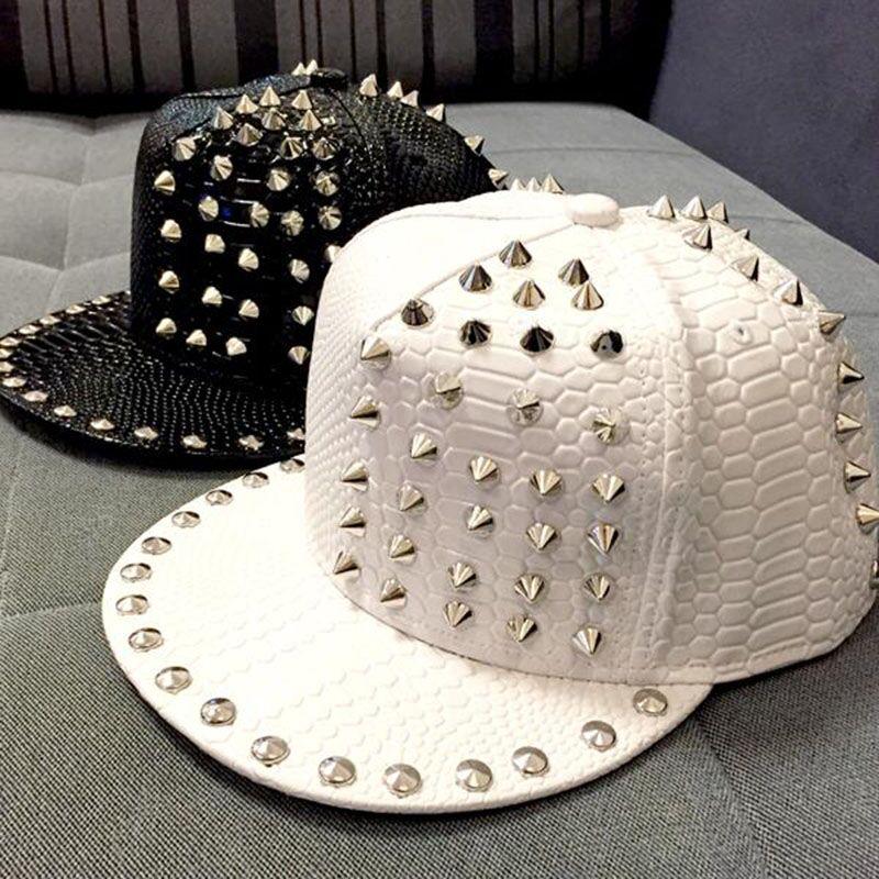 Новое поступление 2015, роскошные однотонные кожаные шапки с заклепками из змеиной кожи для унисекс, повседневные Хип-хоп шапки, модная бейсболка, Snapback