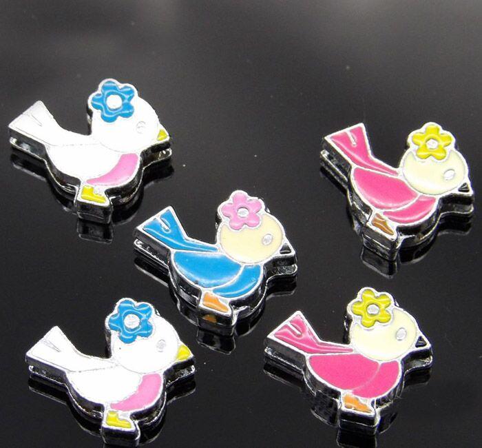 50 piezas 8 MM Color mezclado esmalte aves deslizamiento encantos letras ajuste 8mm cinturones pulseras collares para mascotas
