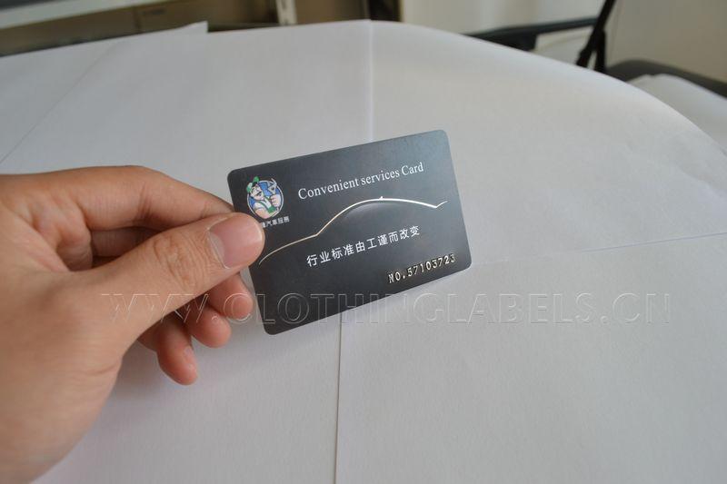 Tarjeta de PVC, tarjeta de visita de plástico, fondo negro con estampado en caliente plateado y recubrimiento mate, tarjeta de plástico