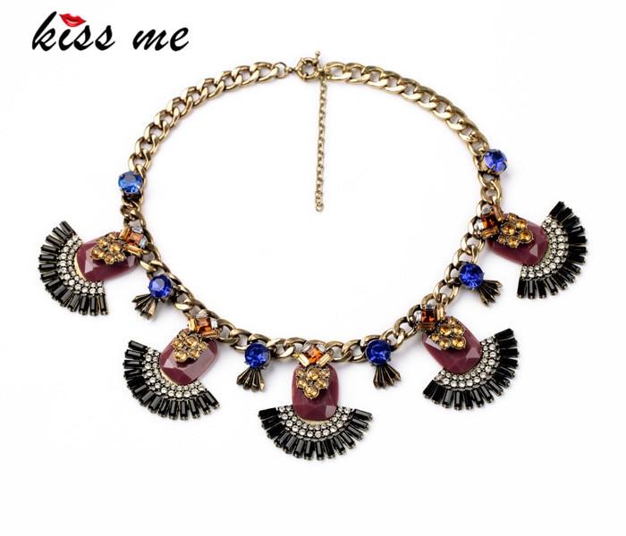 Nuevos estilos KISS ME resina de la joyería de moda marrón antiguo colgante collar