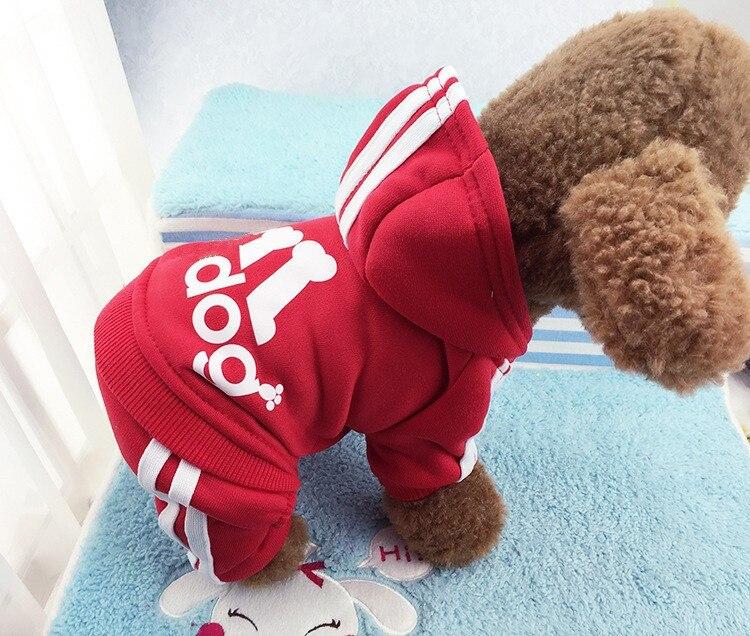 D33 nuevo diseño ropa de perro mascota cálido hueso perro abrigo para gatos mono de cuatro piernas babero general Sudadera para perro pequeño abrigo