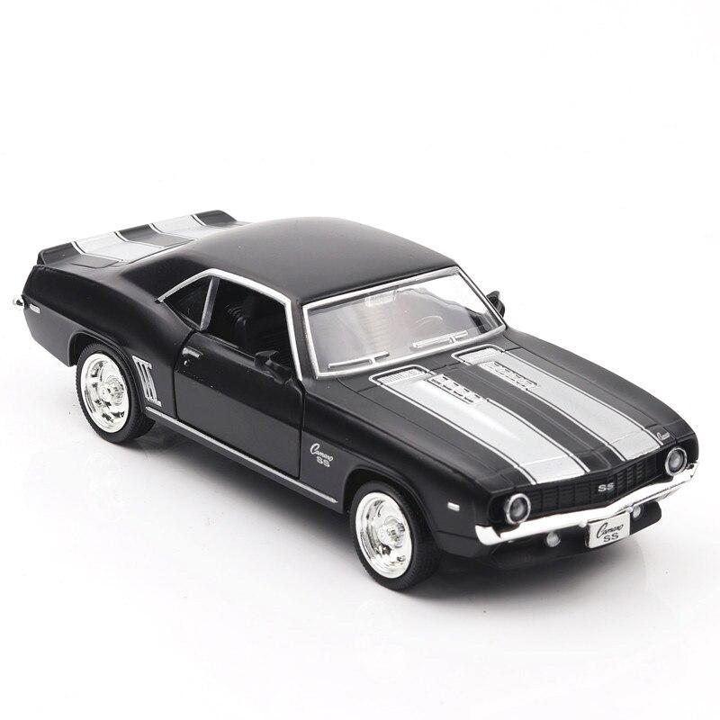 136 escala Camaro 1969ss modelo de coche deportivo Diecast vehículo juguetes coche de carreras caliente con ruedas de aleación trasera coche de juguete regalo para niño