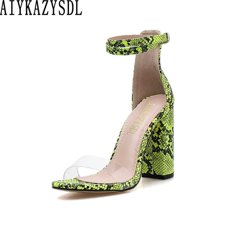 AIYKAZYSDL/женские летние босоножки; обувь с принтом из Искусственной Змеиной Кожи; прозрачная обувь с ремешком на щиколотке на Высоком толстом ...