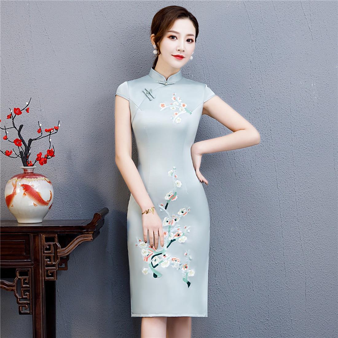 Vestido chino con estampado verde claro de flores Vintage con botones Sexy ajustado elegante Cheongsam Qipao tamaño grande 3XL 4XL Vestidos cortos