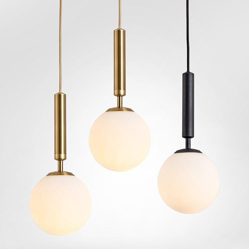 مصباح زجاجي معلق على الطراز الاسكندنافي ، تصميم حديث بسيط ، إضاءة داخلية زخرفية ، مثالي لغرفة المعيشة أو غرفة الطعام.