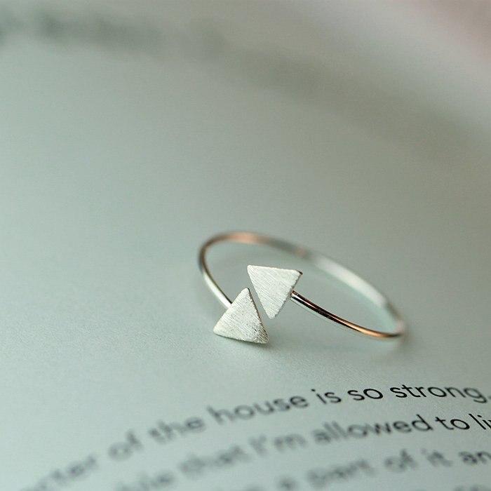Nuevas llegadas anillos de triángulos de colores plateados para mujeres anillo de boda ajustable joyería de moda