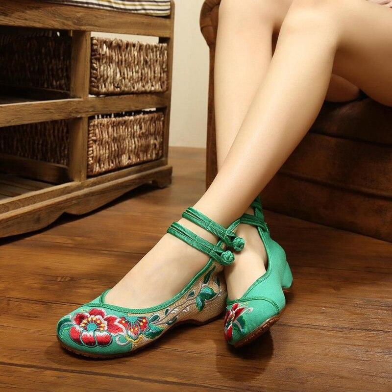 Сезон весна-лето; Size35-41; Женская обувь на плоской подошве; Винтажная обувь с цветочной вышивкой; Женская Повседневная тканевая танцевальная обувь в китайском стиле «Старый Пекин»
