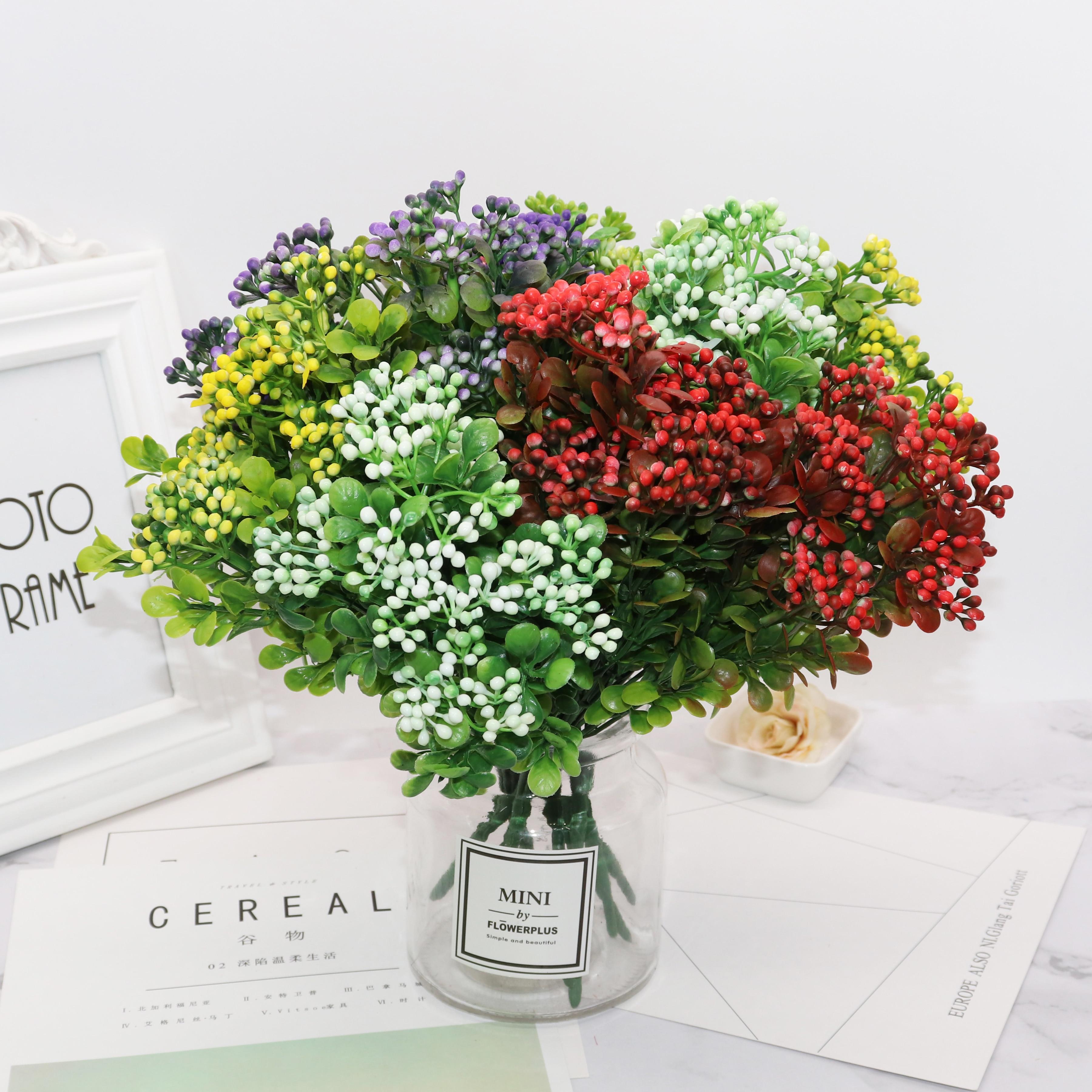 Ramo de flores de baya artificiales verdes de 7 ramas, flores de frutas artificiales, mini hojas, decoración de boda para sala de estar al aire libre