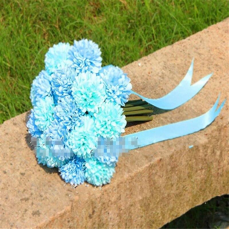 Riquezas e crisântemos bouquet de misturar e combinar estúdio de fotografia da flor do casamento vestido de noiva e amantes do departamento florestal locati