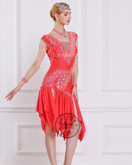 فستان مسابقة الرقص اللاتيني, فستان رقص لاتيني مخصص أحمر مع خرز