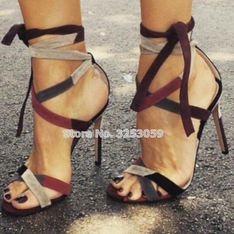 Almuena, sandalias de gladiador sexis de ante rojo vino para mujer, sandalias de gladiador de retazos con tiras cruzadas y cordones, zapatos de banquete coloreados con tacón de aguja