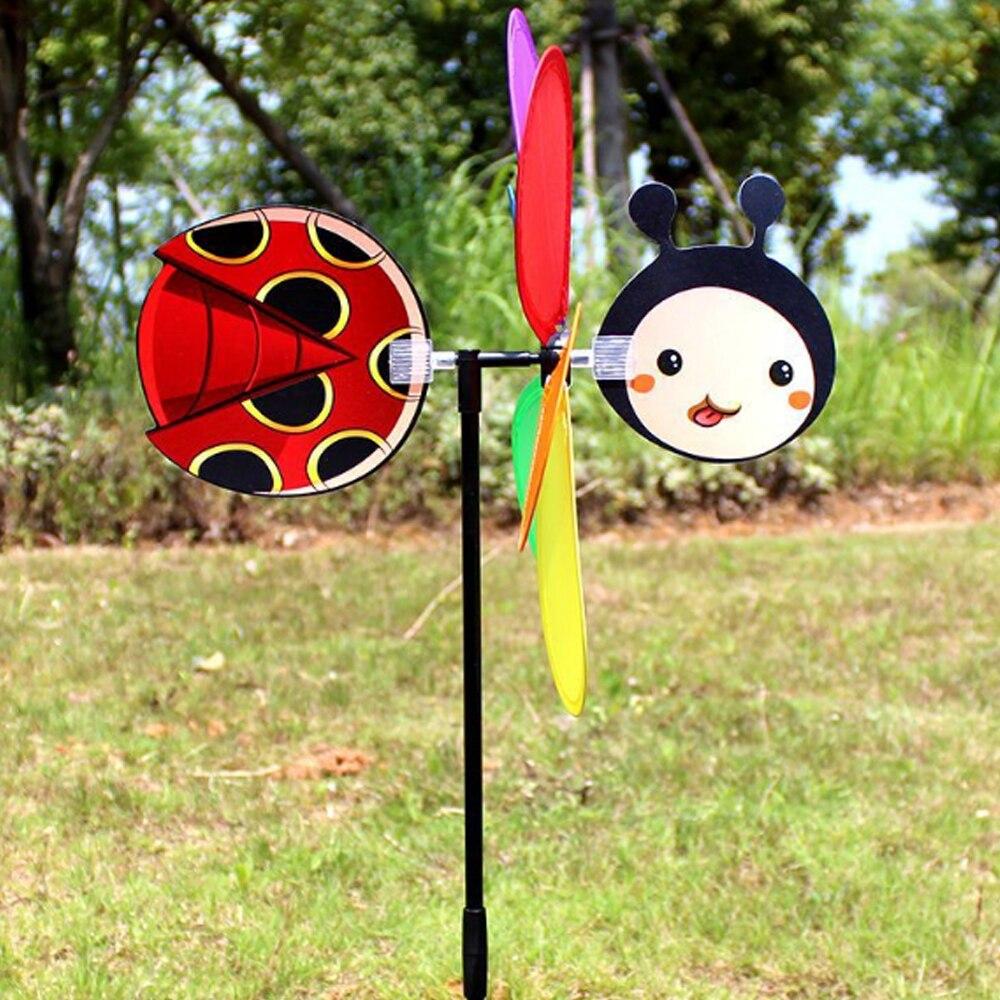 Plástico Moinho de Vento Do Jardim Quintal Gramado 3D Whirligig Inseto Pinwheel Linda Decoração em Cor Aleatória Girador Do Vento Ao Ar Livre Brinquedo Bonito