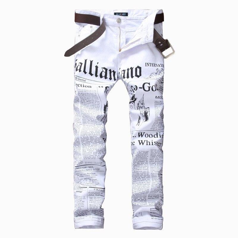 Pantalones vaqueros con estampado blanco 2019 para hombre Pantalones vaqueros blancos elásticos con patrón de periódico
