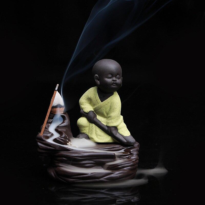 Pequeño monje Kung Fu amarillo incensario quemador de incienso con flujo de retorno de cerámica Base Buda decoración creativa del hogar Yixing Tea Pet