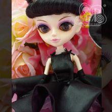 Livraison gratuite TANGKOU Collection hebburn habiller des poupées avec des cheveux noirs rouges grande tête et grands yeux jouets de maquillage pour les filles cadeaux