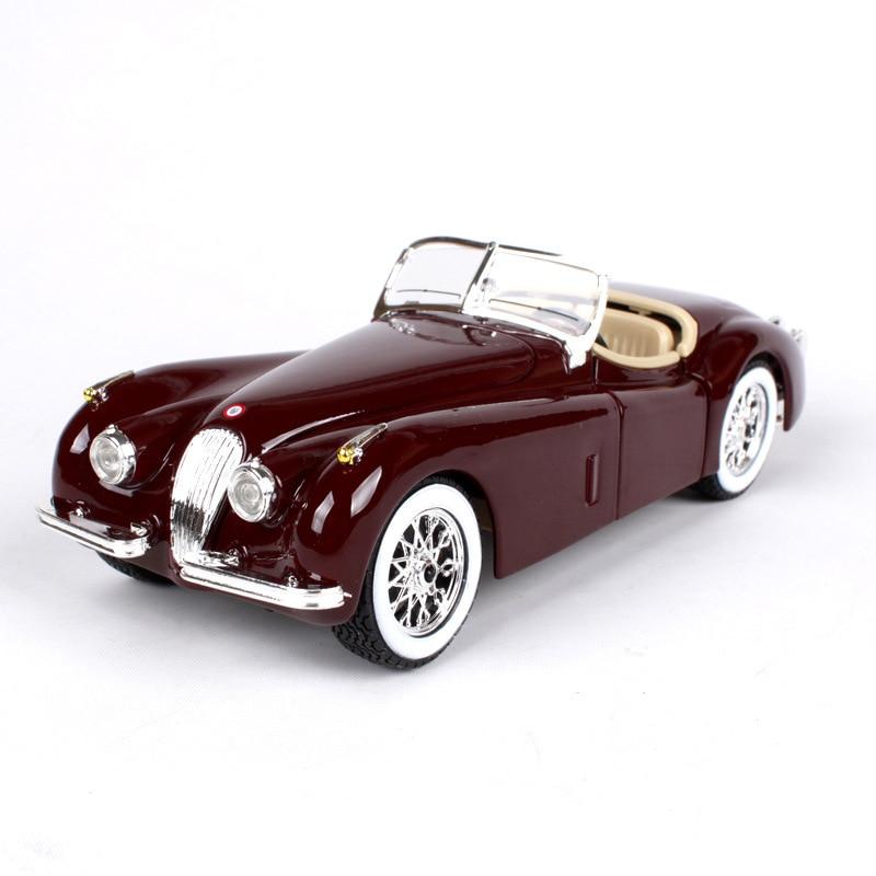Bburago 124 diecast Carro 1951 XK 120 Roadster Vermelho Clássico Modelos de Carros 124 Liga Carro De Metal Colecionáveis Veículo brinquedos Para presente
