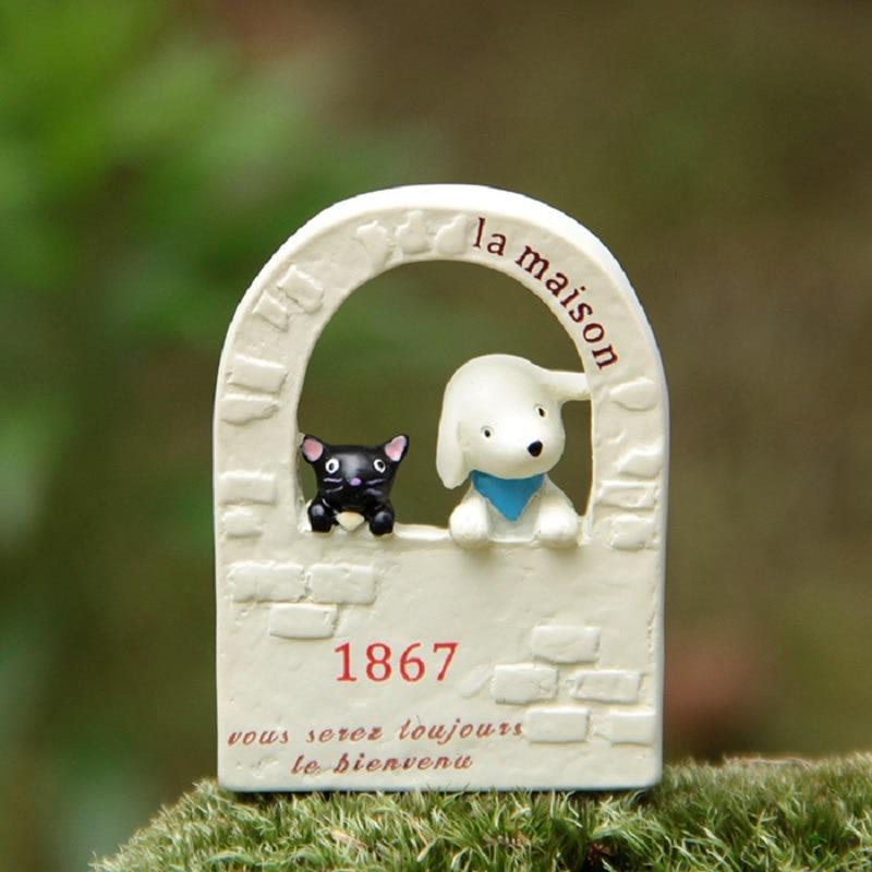 Comestibles cachorro y gato negro y pared arte de jardín PVC figura de acción juguetes niños creativos Micro jardín paisaje Decoración Accesorios