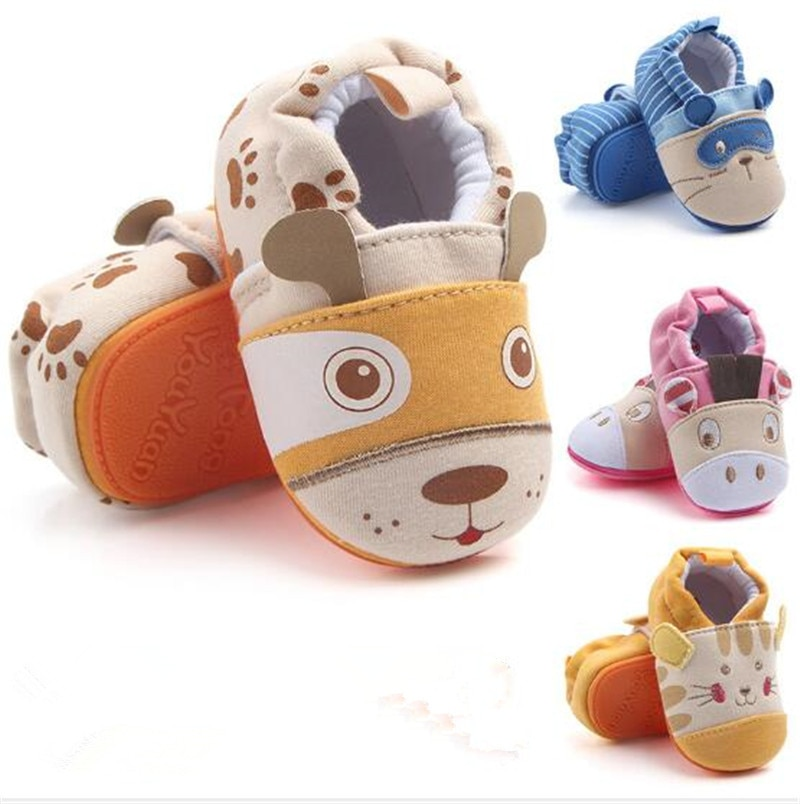 Adorables zapatos de bebé de dibujos animados adorables zapatos de cuna suela suave niños niñas zapatos