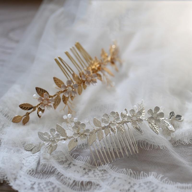 Accesorios para el pelo de la boda de la novia del patrón...