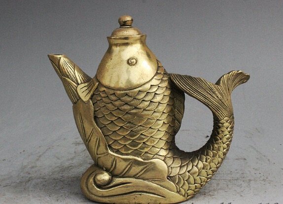 Yy ymy 1017 + + + + marcado folk china dinastia latão lótus forma peixe estátua vinho sorte pote de chá flagon