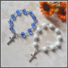 25pcs/lot Catholic Blue White Glass Bead Finger Rosary Mini Rosary Ring Religious Childrens Communion Baptism Favors Party Gift