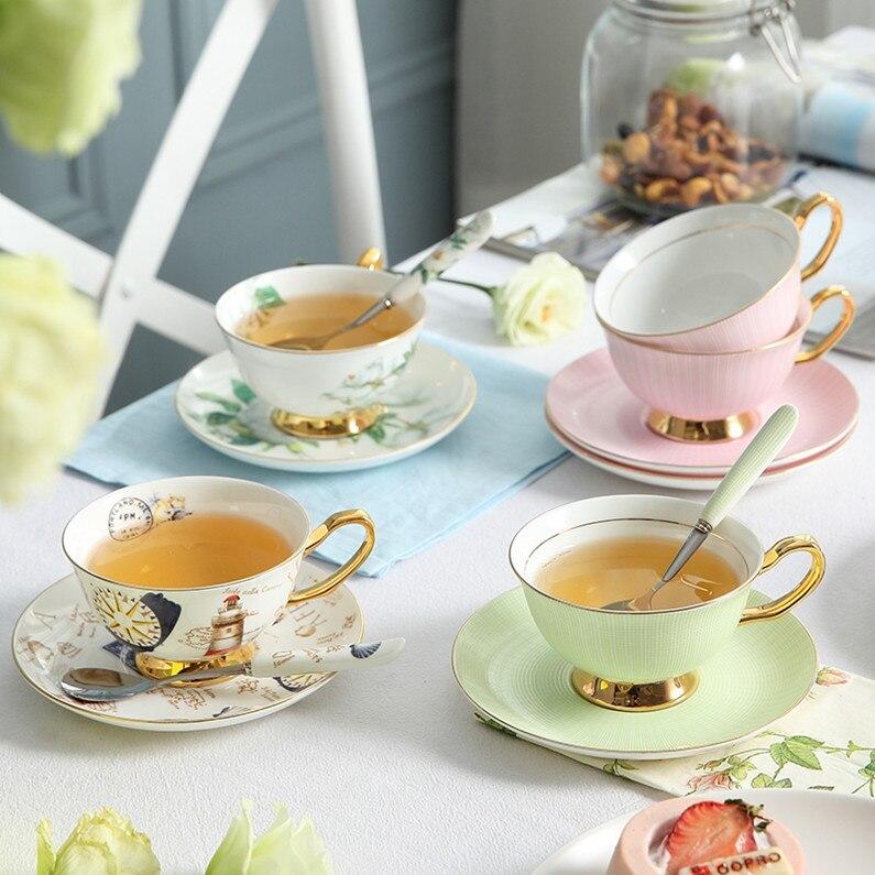 Juego de taza de café Europea porcelana hueso borde dorado creativo Simple cerámica hogar tazas plato tarde Camelia Teacup