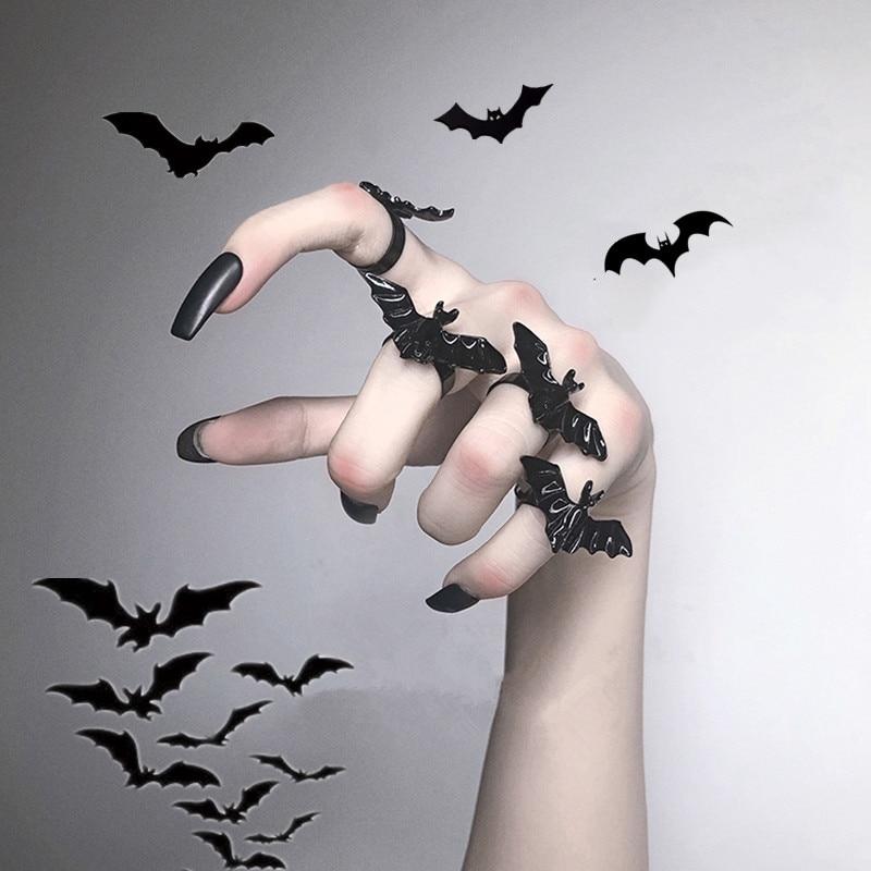 Anillo con diseño de murciélago negro gótico, murciélago volador de moda, joyería ajustable de Metal para mujeres, accesorios de regalo para Festival con estilo Cosplay