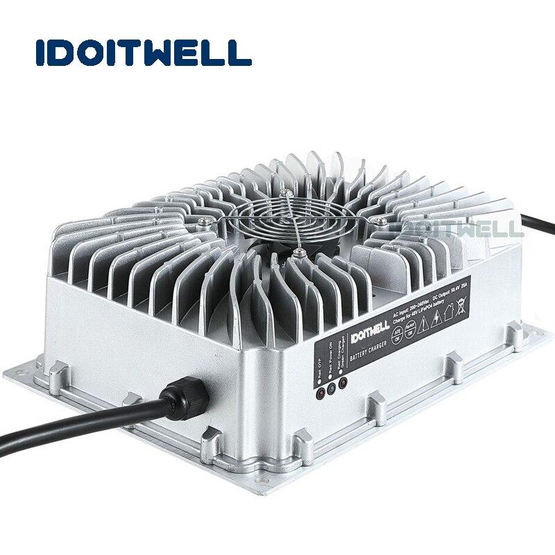 Chargeur de batterie imperméable automatique adapté aux besoins du client 48 V 25A chargeur antipoussière extérieur rapide avec PFC pour le paquet de batterie de 48 volts