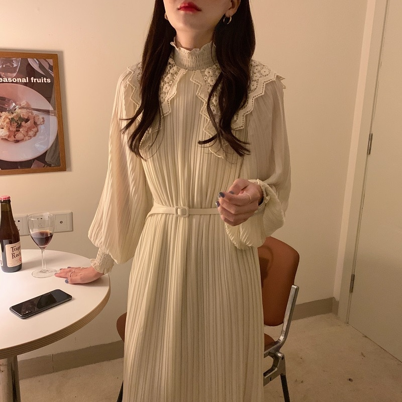 Ha0b7776d82bb433e82906b68eb5323eau - Spring / Autumn Lace Stand Collar Long Sleeves Pleated Midi Dress with Belt