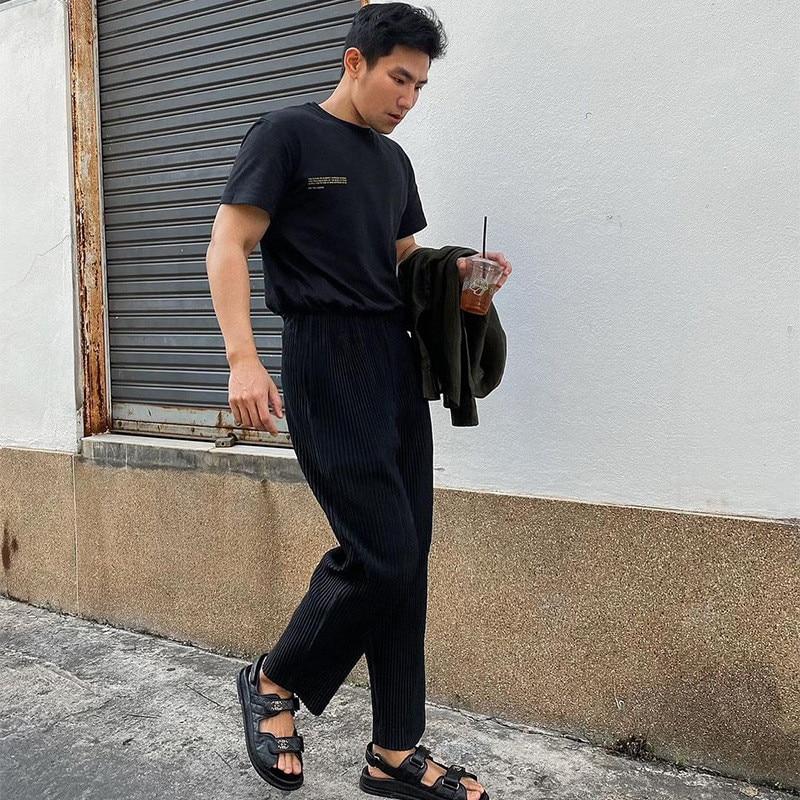 Miyake مطوي الرجال عادية مستقيم الساق السراويل سراويلي حريمي العصرية موضة فضفاضة ومريحة تسع نقاط تشغيل السراويل الترنك