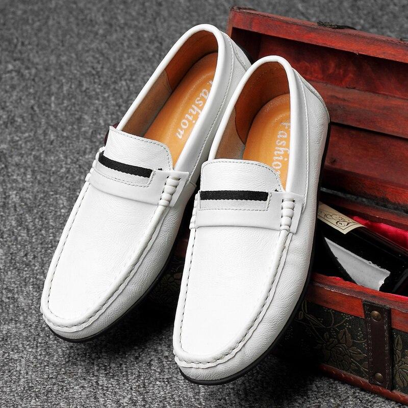 Zapatos casuales para hombre mocasines de cuero de marca de lujo mocasines cómodos transpirables antideslizantes zapatos de conducción de gran tamaño 45