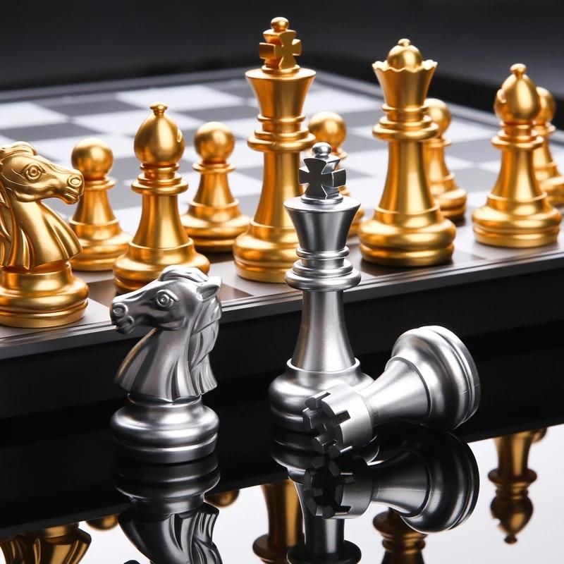 Шахматный набор с высококачественной шахматной доской, 32 золотистые, серебристые шахматы, магнитные настольные игры, наборы шахматных фигу...