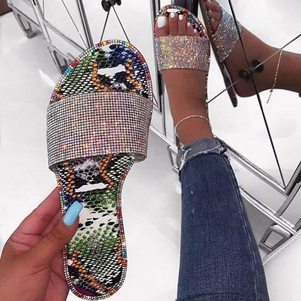 Sagace casa chinelo feminino estilo romano sparkles diamantes brilhantes sapatos verão 2020 ao ar livre leve chinelos de praia mais tamanho
