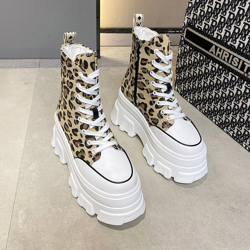 أحذية رياضية عالية الجودة أحذية نسائية موضة 2021 أحذية مفلكنة رياضية للسيدات على طراز الفهد أحذية مفلكنة أحذية رياضية للنساء