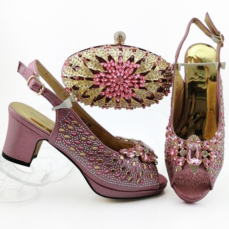 Zapatos de moda de tacón medio rosa encantador con embragues a juego bolso nuevos zapatos bolsa hot sandalia y embragues bolsa SB8444-1
