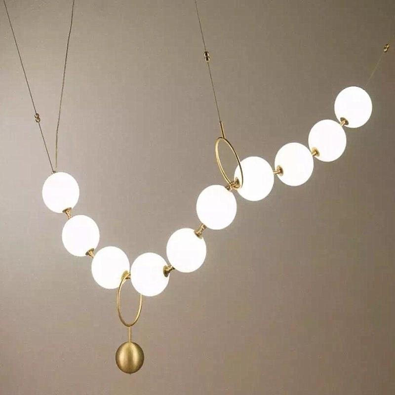 مصباح معلق Led يتكون من كرة زجاجية ، تصميم ما بعد الحداثة ، تصميم إبداعي ، إضاءة داخلية ، مصباح سقف ، مثالي للدور العلوي أو قاعة المطعم.