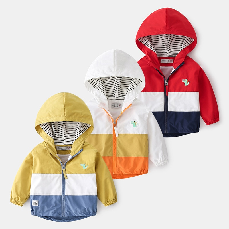 Фото Весна Осень 2021 Детская куртка для мальчиков с капюшоном верхняя одежда