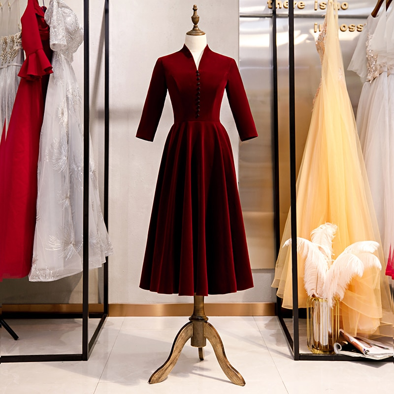 Elegant Burgundy Velvet Mother of the Bride Dresses Three Quarter Sleeves Warn and Soft Fabric Zipper Back Party Gowns