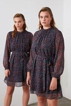 Trendyol robe imprimée ceinturée deuxaw21el0346