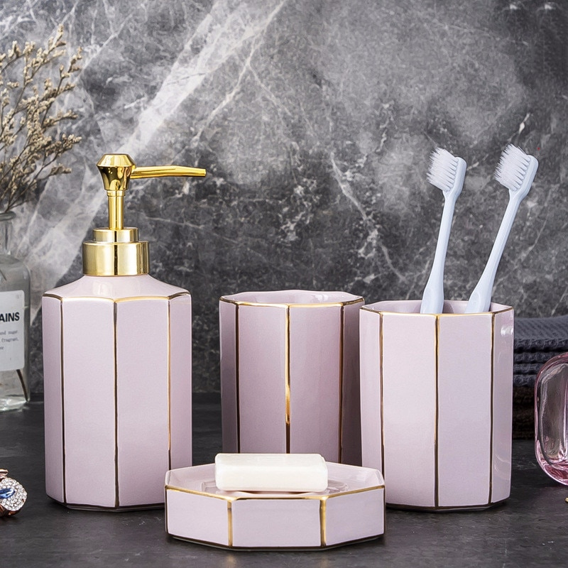 Nuevo conjunto de baño rosa de lujo de estilo europeo conjunto de cuatro piezas de cerámica conjunto de higiene para baño taza de pareja Baño de cuatro piezas regalo de boda