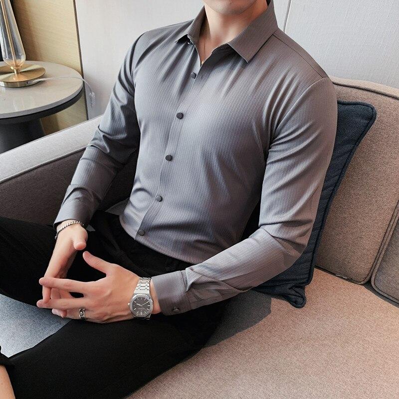 4XL-M خريف جديد الأعمال ملابس رسمية الظلام المشارب قمصان للرجال الملابس ضئيلة تيشيرت ضيق بأكمام طويلة kamas