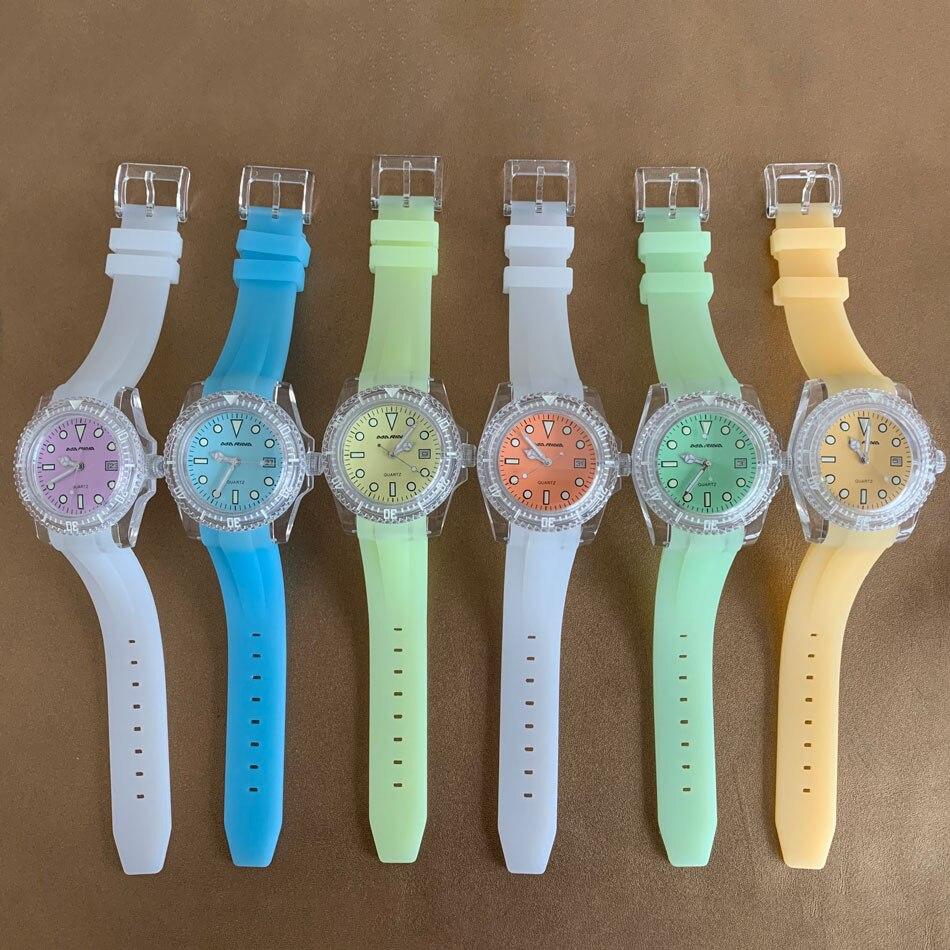 ساعة 40 مللي متر عبوة أكريليك سيليكون حزام ياباني 2115 حركة كوارتز أخضر مضيئة طلب متعدد الألوان