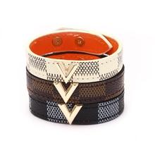 Nouveau haute rue or métal dame réglable bouton Bracelet femmes hommes marron breloque déclaration initiale lettre Bracelet en cuir
