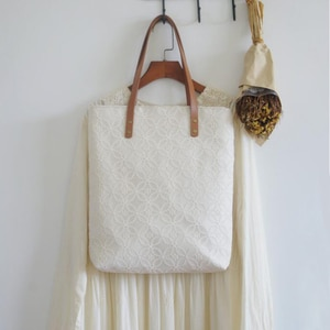 2020 Angelatracy Lace Simple Hollow Out Vintage Lady Retro Handmade Big Design Women Shoulder Bag Wooden Court French Bags Totes