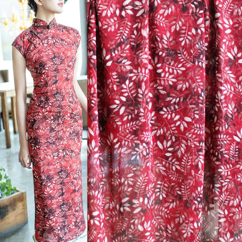 Medio metro de alta calidad hojas impreso rojo Fondo gasa tela para vestido camisa primavera y verano material T425