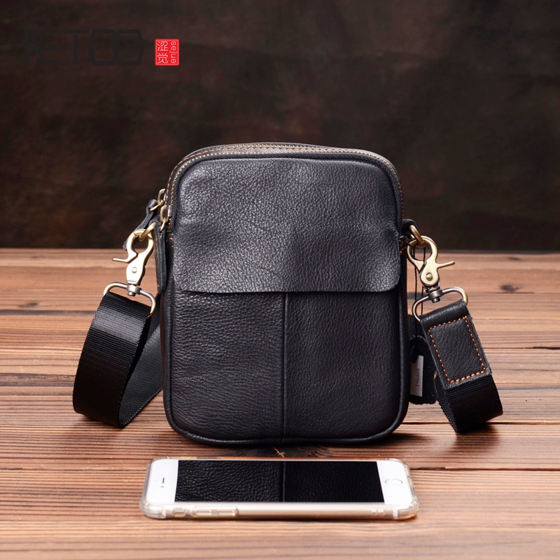 AETOO Mens leather diagonal bag, mini casual shoulder large-capacity fashionable pouch