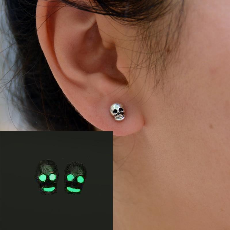 1pair Glow In The Dark Skull Stud Popular illuminated Skull Head Stud Earring Punk Jewelry